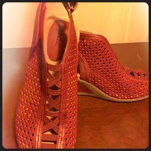 Velcro strap wedge heel